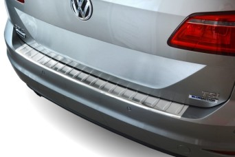 Rear bumper protectors of stainless steel